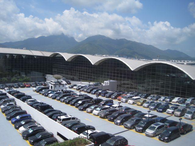 parcare de la Aeroport Henri Coanda